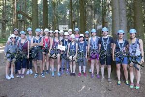 Die Medizinstudenten hatten Spaß im Kletterpark unterstützt von Mesutronic.